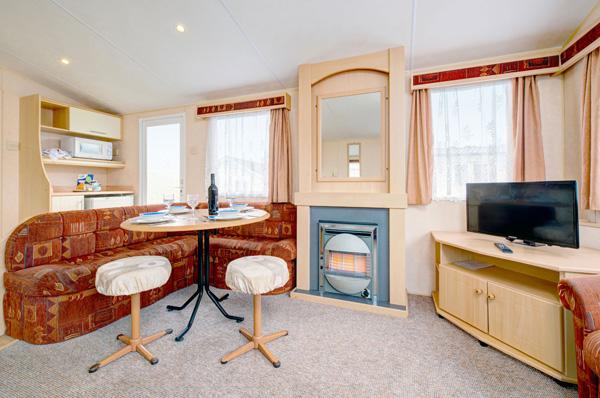 Lounge in Coral Reef - Silver Reef 3 Bedroom Classic Caravan