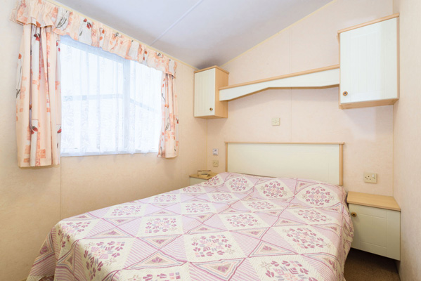 Coral Reef - Silver Reef 3 Bedroom Classic Caravan Double Bedroom