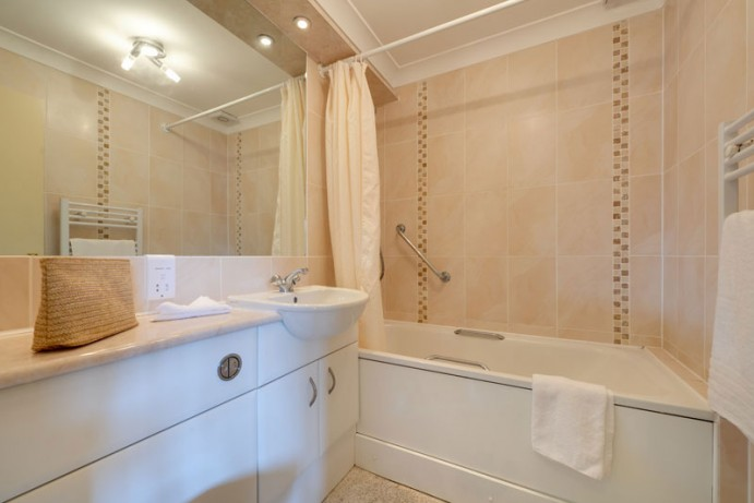 Typical Bathroom in Starsurfer - Bath with separate shower