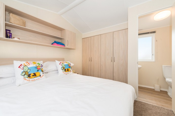 Large Master with ensuite in CasaRio 2 Bedroom Lodge Style Caravan