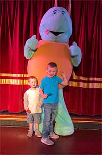 Kids with Myrtle the Turtle at Welcome Family Holiday Park